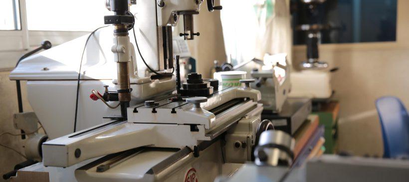 Les machines de haute précision CNC